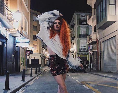 La drag Liz Dust organiza un tour en Guruwalk por los belenes de Valencia