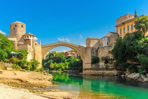 ¿Cuál es la mejor época para viajar a Bosnia?